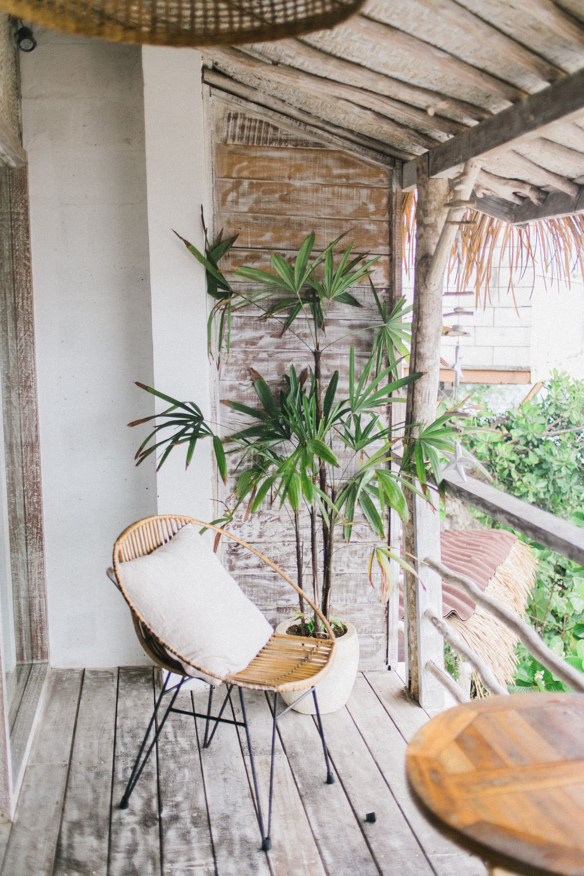 Airbnb with patio or balcony filter