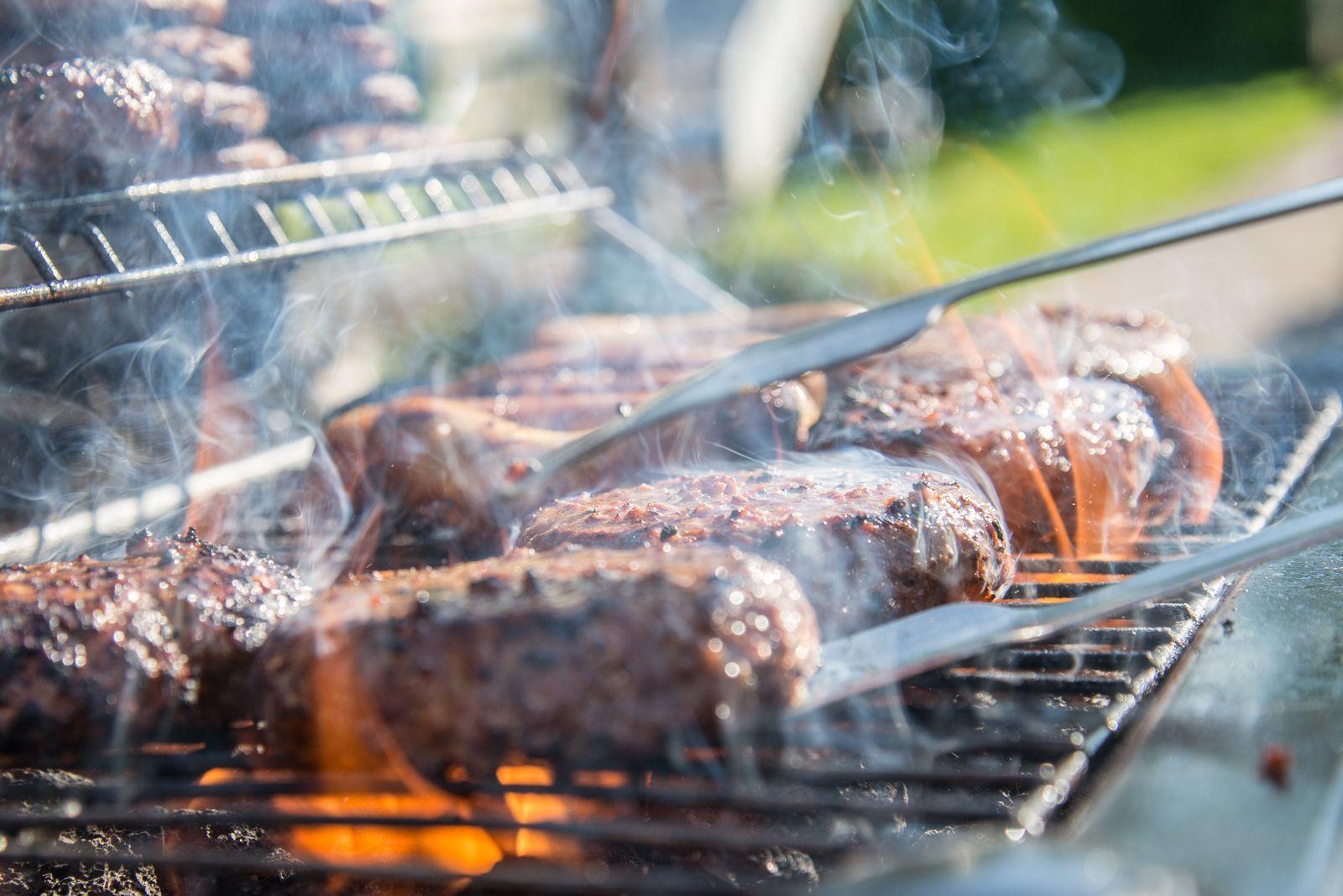BBQ grill filter